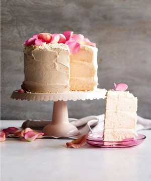 How to Make Pink Champagne Cake