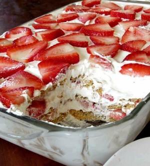 Strawberry Cream Cheese Icebox Cake Recipe4diaries Charlotte Whitton